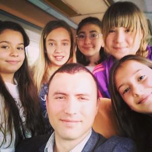 İzmir Kitap Fuarına gidiyoruz... #izmir #kitap #fuar #yolculuk #öğrenci #student…