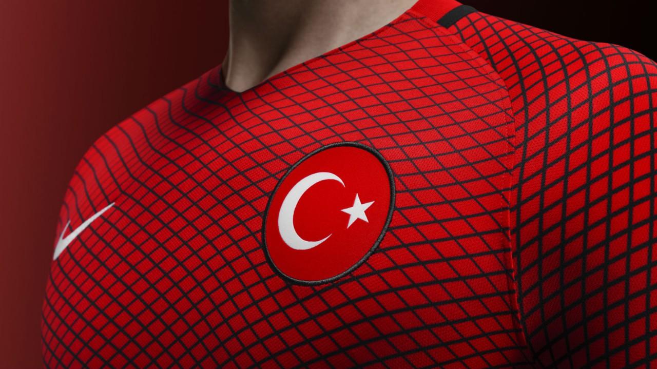 turkiye milli takım forma euro 2016 kirmizi siyah