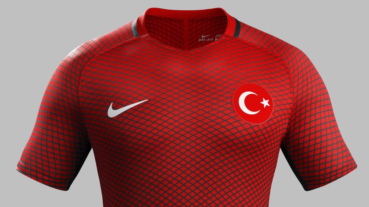 turkiye milli takım forma euro 2016 kirmizi